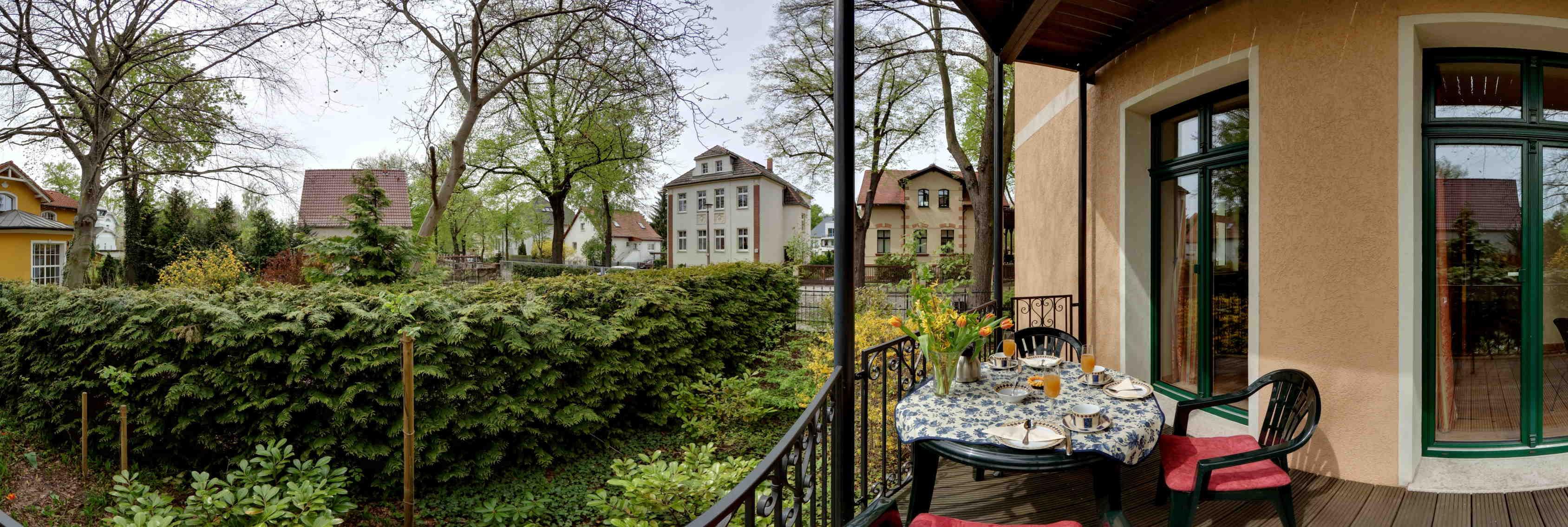 villa wohnzimmer:Villa wohnzimmer : Ferienwohnung Berlin Villa Seepark Wohnzimmer
